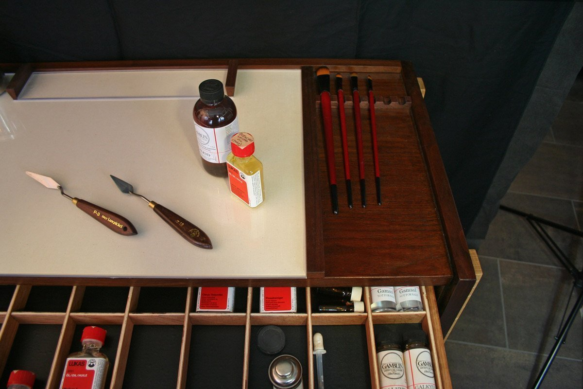 Taboret Supplies Drawer and Brush Rest